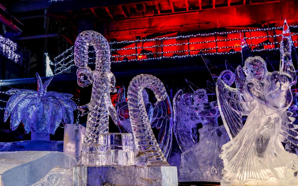 Ice sculpture Christmas motifs